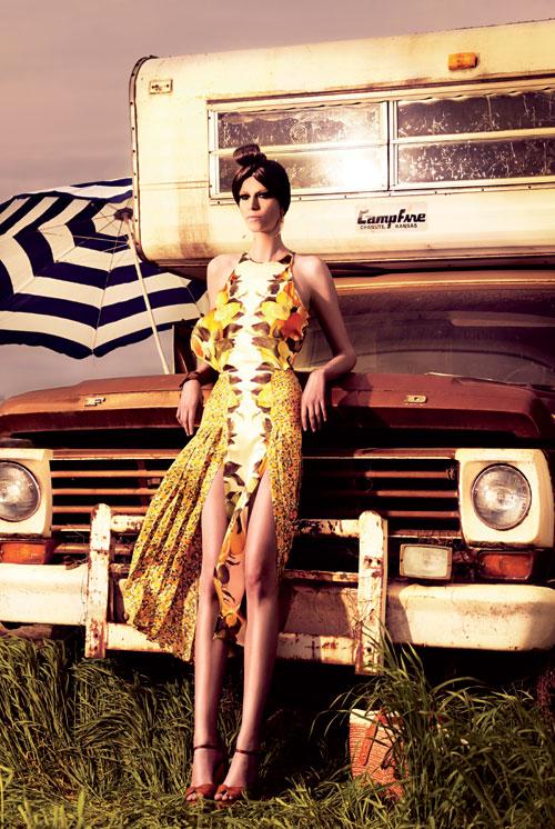 Hippie-hippie, dar cu stil… (de Mihaela Radulescu)