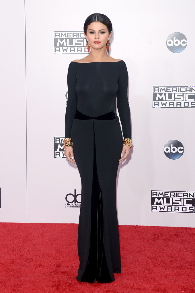 Vedete pe covorul rosu la American Music Awards 2014! (galerie foto)