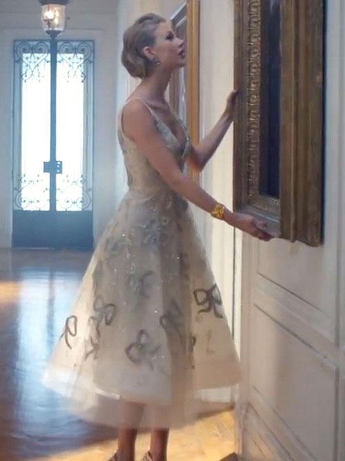 Care-i treaba cu ultimul clip al lui Taylor Swift, Blank Space?