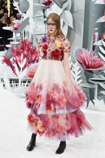 10 cele mai spectaculoase&stylish tinute de la saptamana Haute Couture!