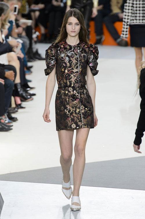 TOP 10 cele mai cool tinute de la Paris Fashion Week
