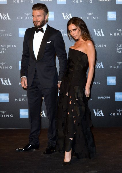 Vedete la inaugurarea expozitiei Alexander McQueen: Savage Beauty