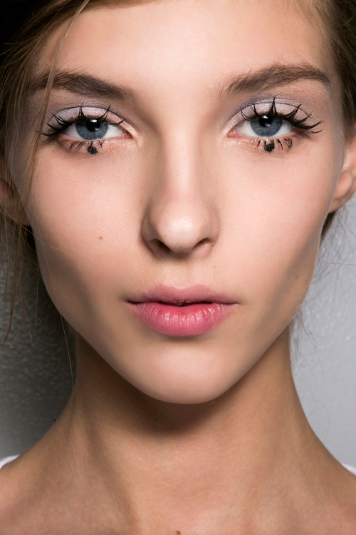 10 machiaje trendy pentru ochi albastri
