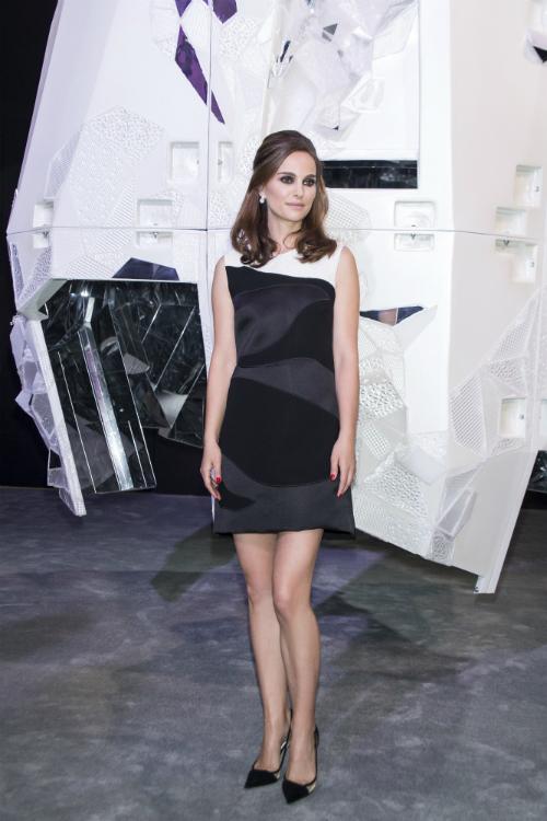 "Lansarea expozitiei ""Esprit Dior, Miss Dior"" la Beijing!"