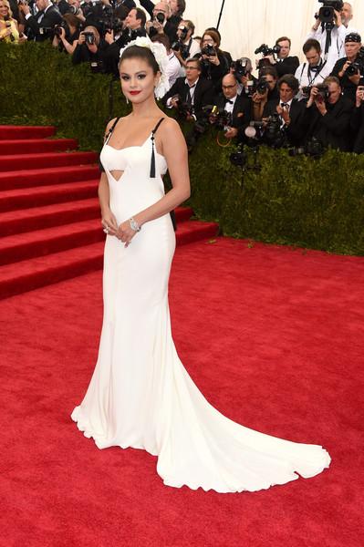 Selena Gomez, diagnosticata cu lupus