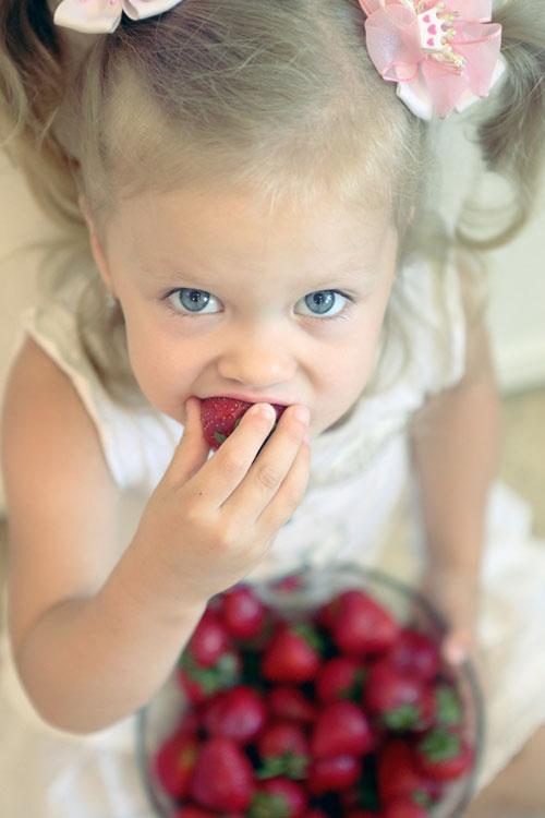 Cum sa iti inveti copilul ce inseamna alimentatia sanatoasa