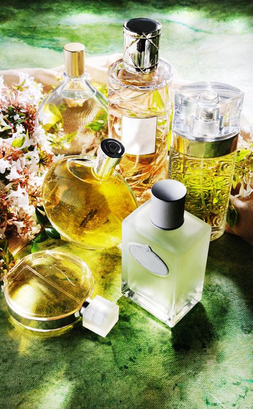 5 moduri in care parfumul te ajuta sa fii mai seducatoare