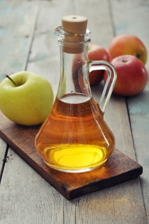 7 trucuri de infrumusetare pe baza de otet de mere