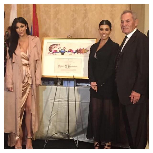 Kim Kardashian – cele mai spectaculoase tinute ale viitoarei mamici!