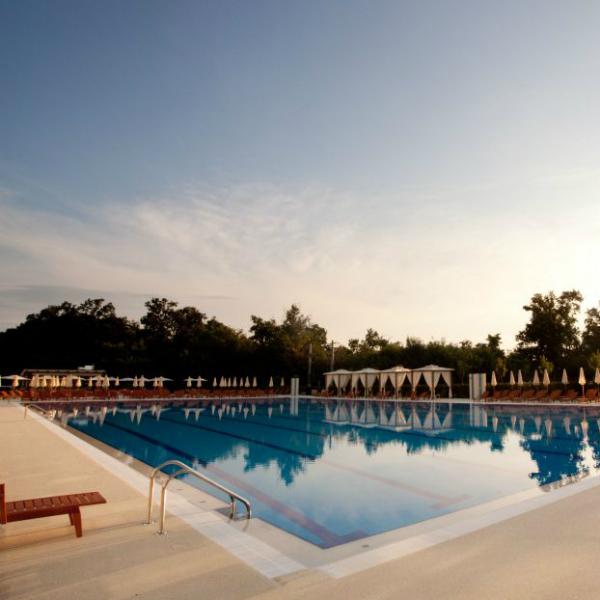 Cele mai cool piscine din Bucuresti!