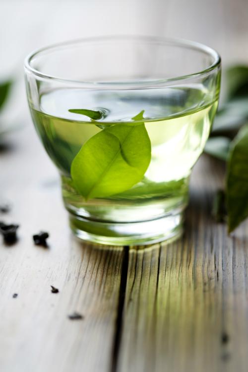 4 ceaiuri care iti pastreaza tineretea