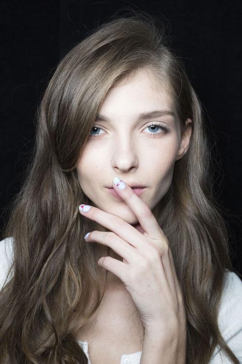 Trucuri anti-aging pentru mainile tale