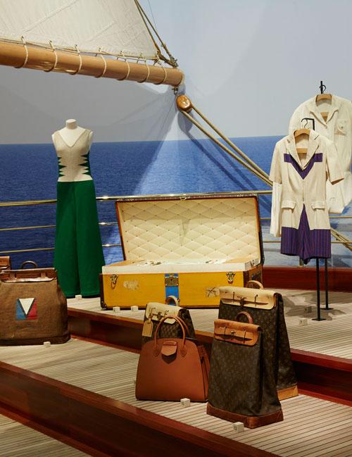 """Expozitia Louis Vuitton """"Volez, Voguez, Voyagez"""" si-a deschis portile la Grand Palais din Paris"""