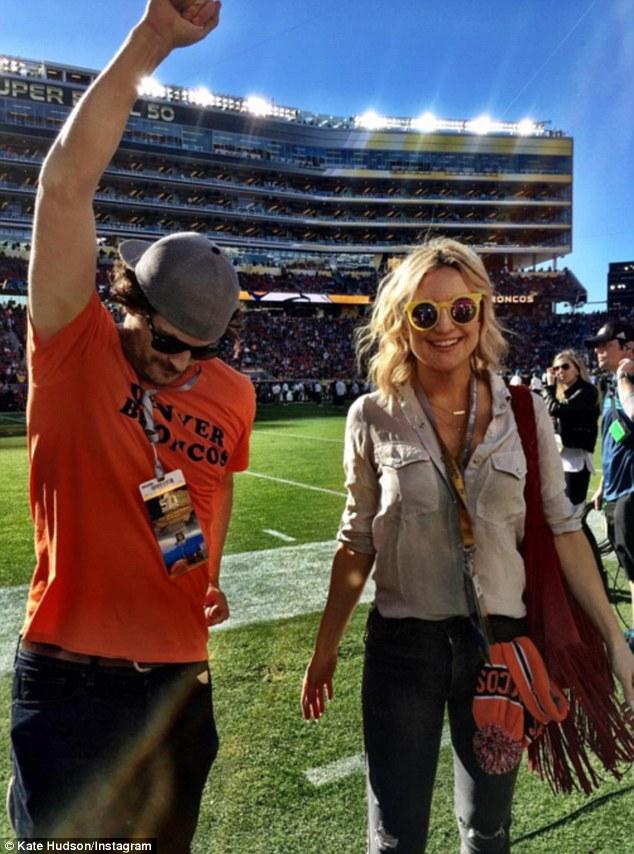 Cele mai cool poze de la Super Bowl 2016, postate de vedete pe Instagram