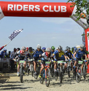 Riders-Club_start--765x526