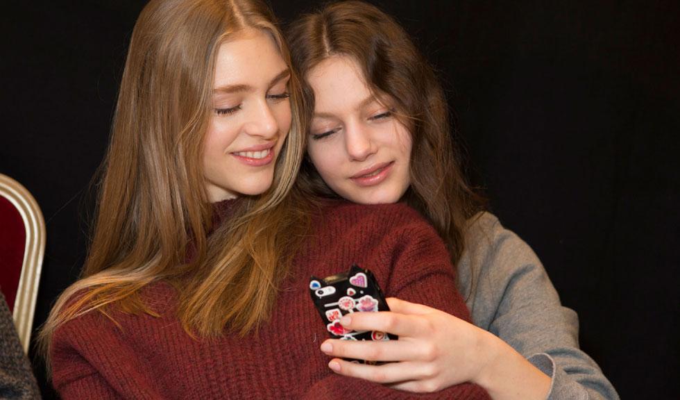 Aplicatii gratuite pe care fiecare femeie ar trebui sa le aiba pe smartphone