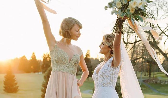 Taylor Swift – domnisoara de onoare pentru o veche prietena