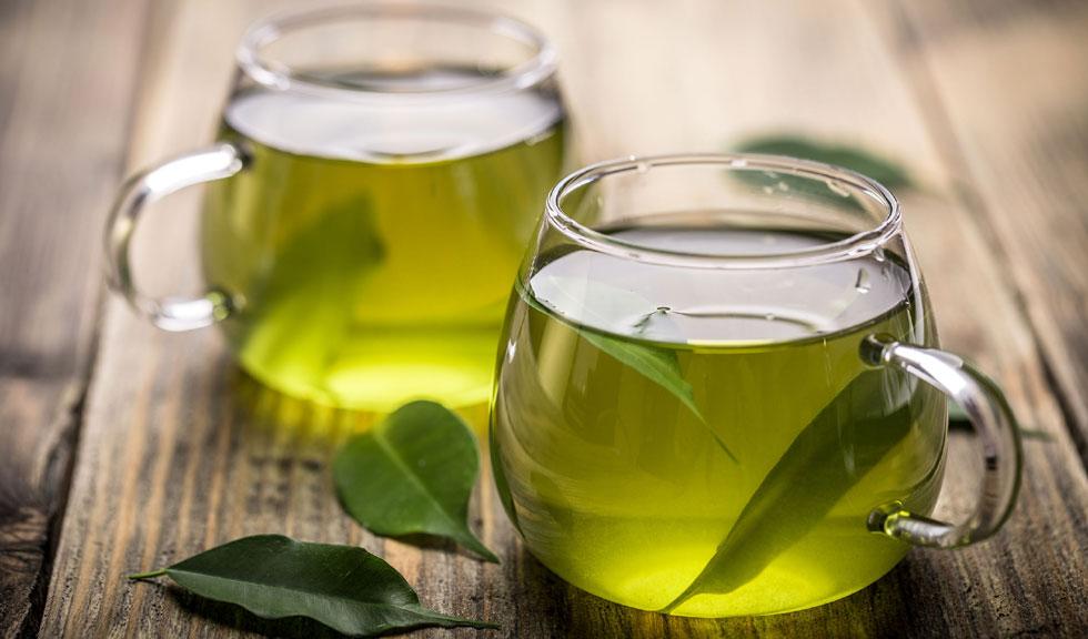 Ceaiul verde – 6 moduri de folosire pentru a fi mai frumoasa