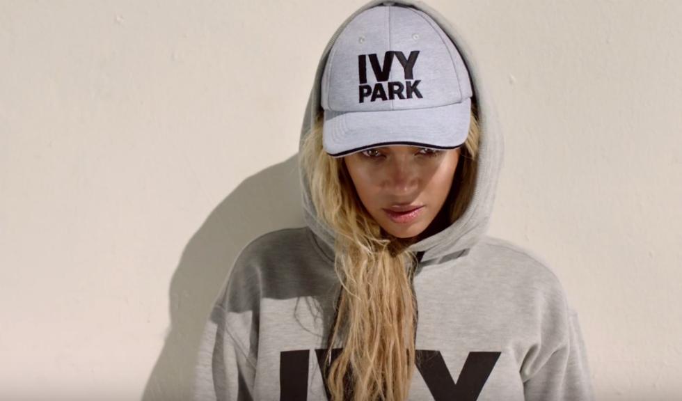 Beyonce lanseaza o linie vestimentara sport