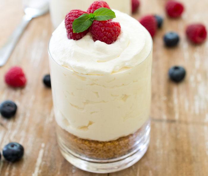 Prajituri cheesecake cu vanilie, fara coacere