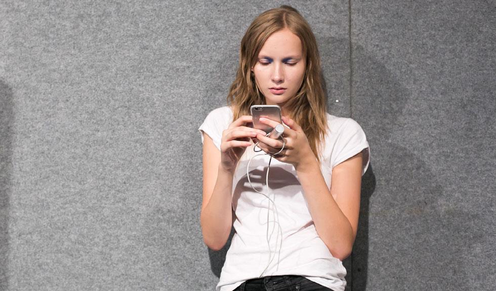 7 motive pentru care iubitul tau intarzie sa te sune