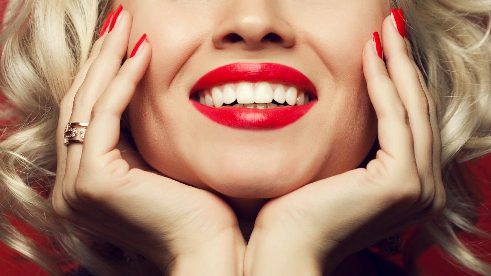 De ce să încerci o periuță de dinți sonică