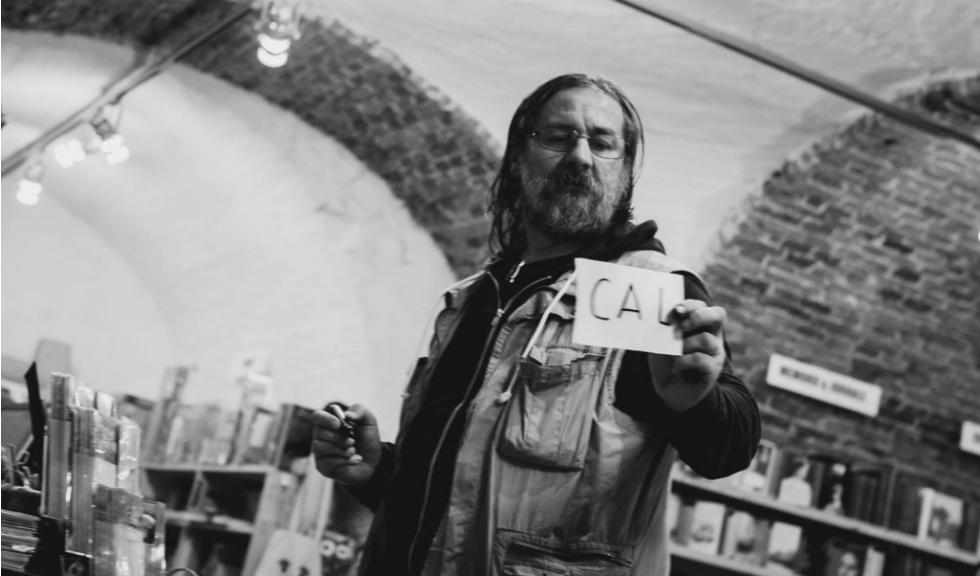 """Dan Perjovschi și proiectul """"Arta la fereastră SIMEZA"""""""