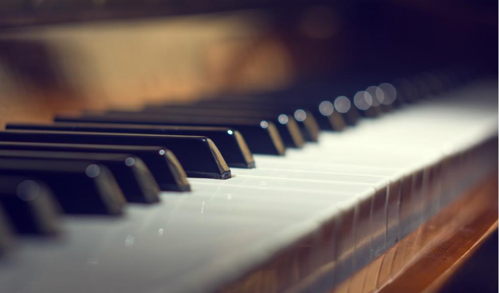 3 moduri prin care sa combati stresul prin muzica