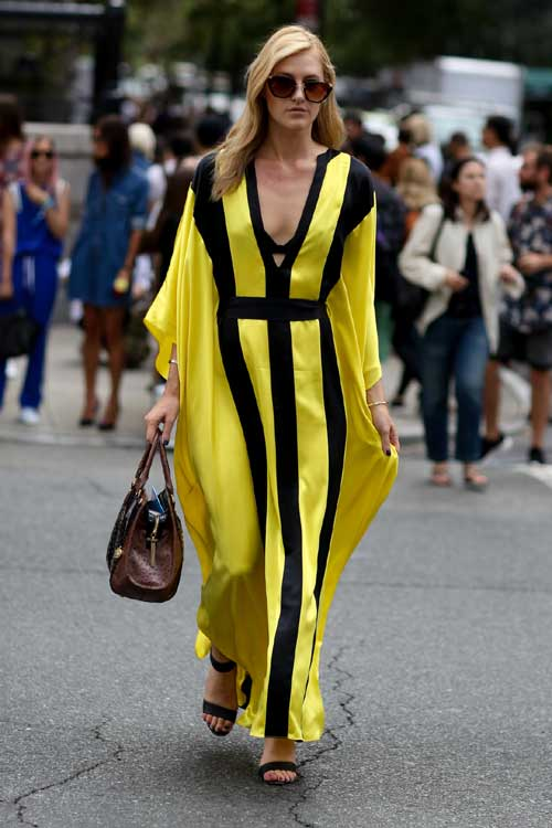 Top 10 moduri cool de a purta rochia maxi in acest sezon