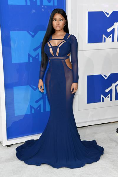 10 cele mai neinspirate tinute de pe covorul rosu de la MTV VMA 2016