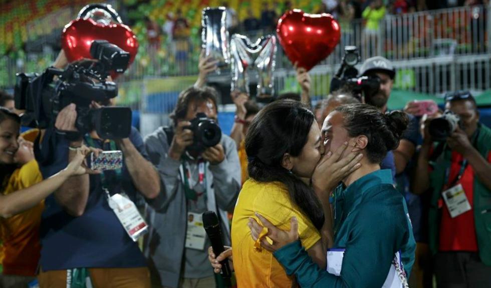 Dragostea invinge la Rio: cerere in casatorie pe terenul de rugby
