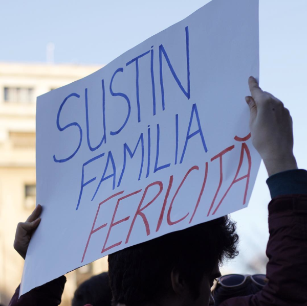 Dumnezeu nu face politica – mars pentru drepturi egale in 10 imagini