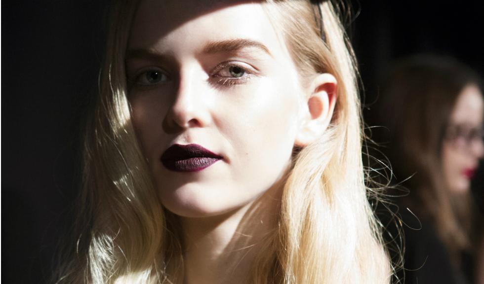 5 mituri demontate despre acneea adulta