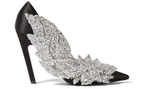 2. Pantofi din matase cu aplicatii din cristale, Balenciaga, 2.250 euro, www.net-a-porter.com