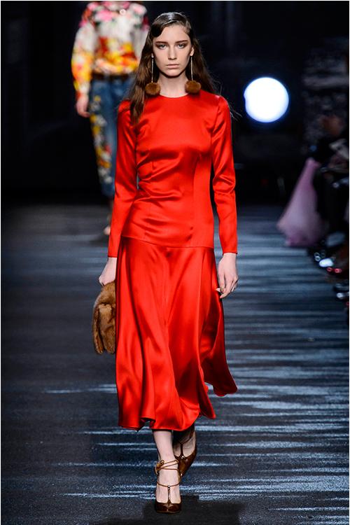 Rosu pasional – cele mai cool si accesibile piese vestimentare ale saptamanii