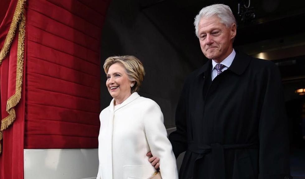 Hillary Clinton, imbracata in alb la ceremonia de inaugurare a lui Donald Trump