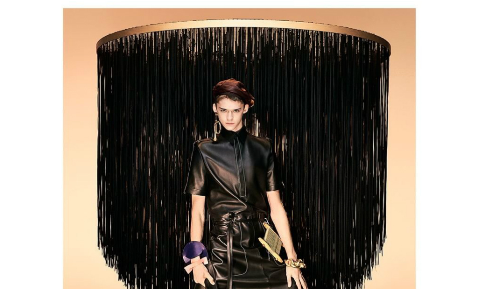 Loewe distribuie un model androgin in reclamele pentru colectia de toamna