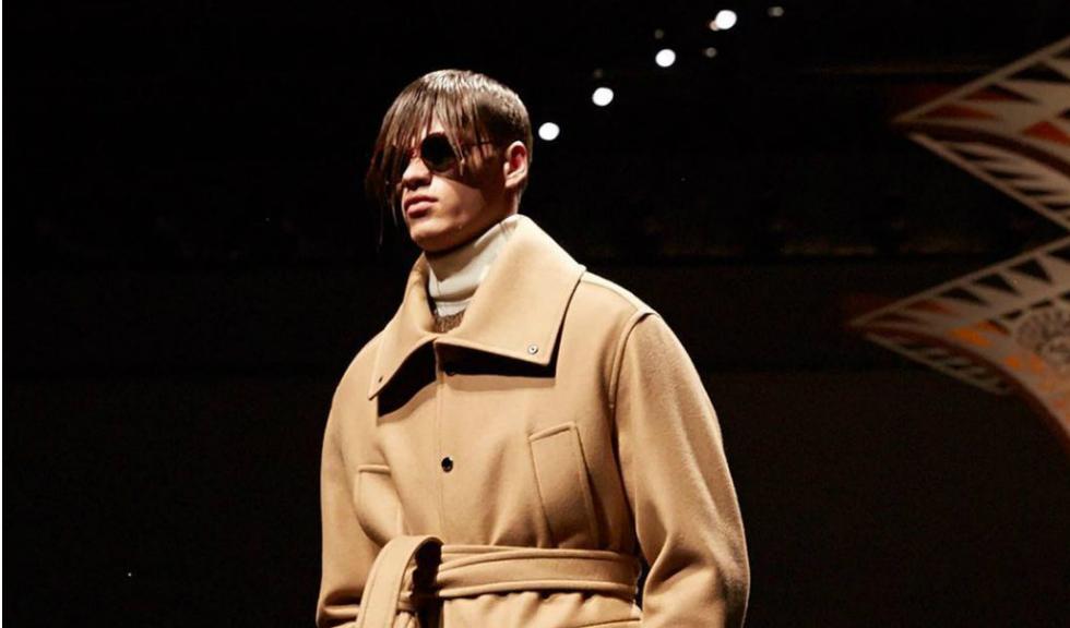 Planuieste Versace sa il aduca in echipa pe directorul creativ de la Givenchy