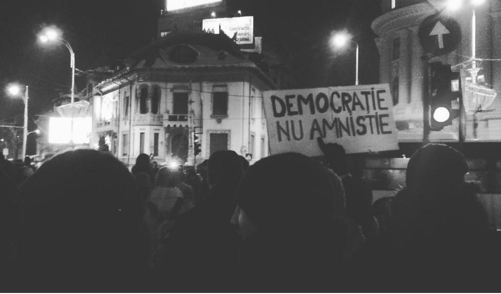 De ce sa mergi la protestele impotriva legii amnistiei si gratierii, anuntate duminica in Bucuresti si in tara, dar si in strainatate?
