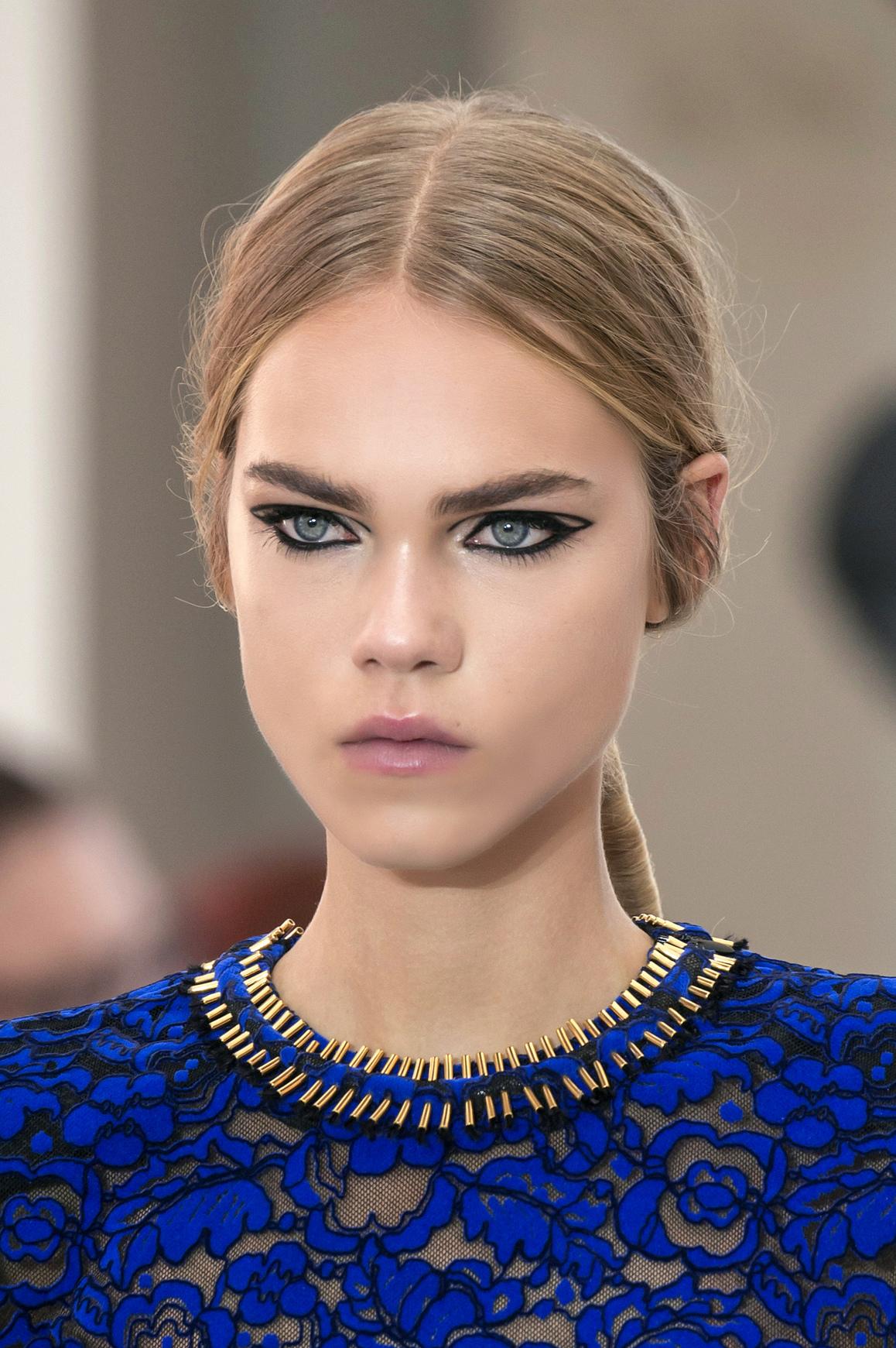 Tendinte beauty: 10 look-uri pe care le poti purta chiar acum!