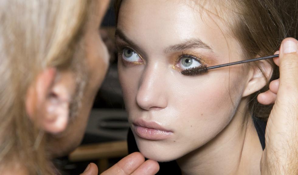 6 greseli pe care le faci cand folosesti mascara