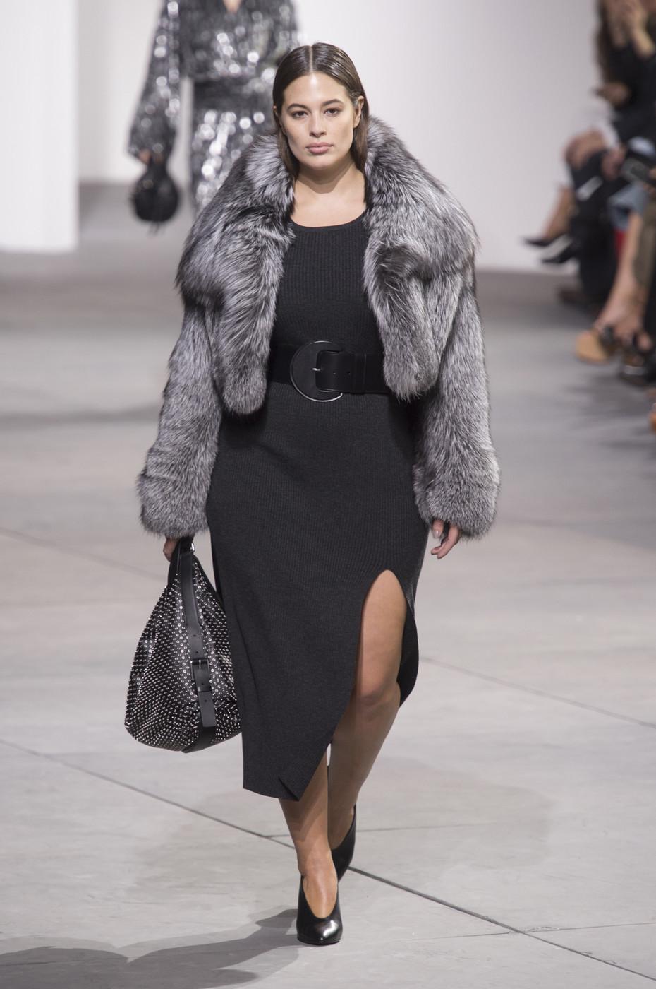 New York Fashion Week ne arata ca moda nu tine cont de varsta sau marimi