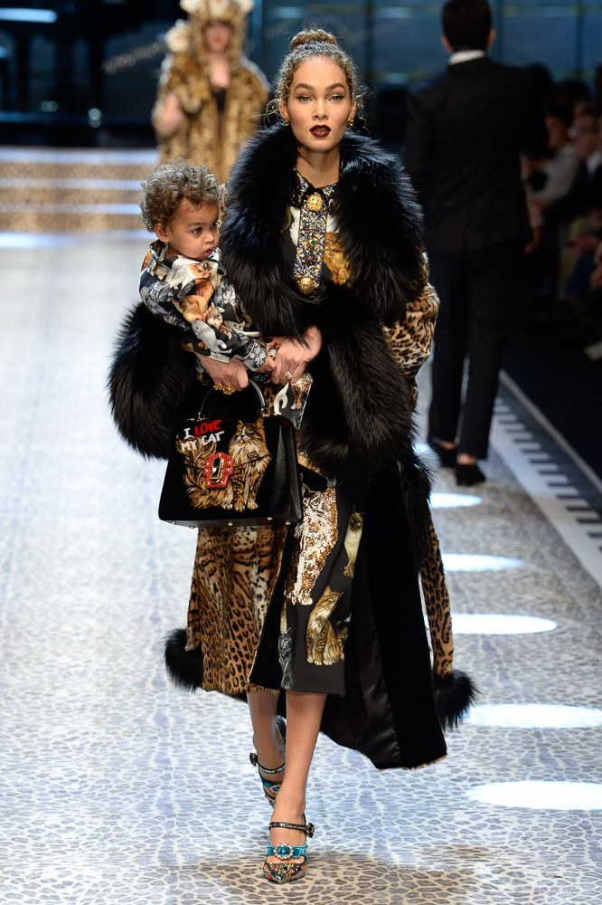 Show-ul Dolce & Gabbana de astazi va scrie o pagina importanta in istoria modei