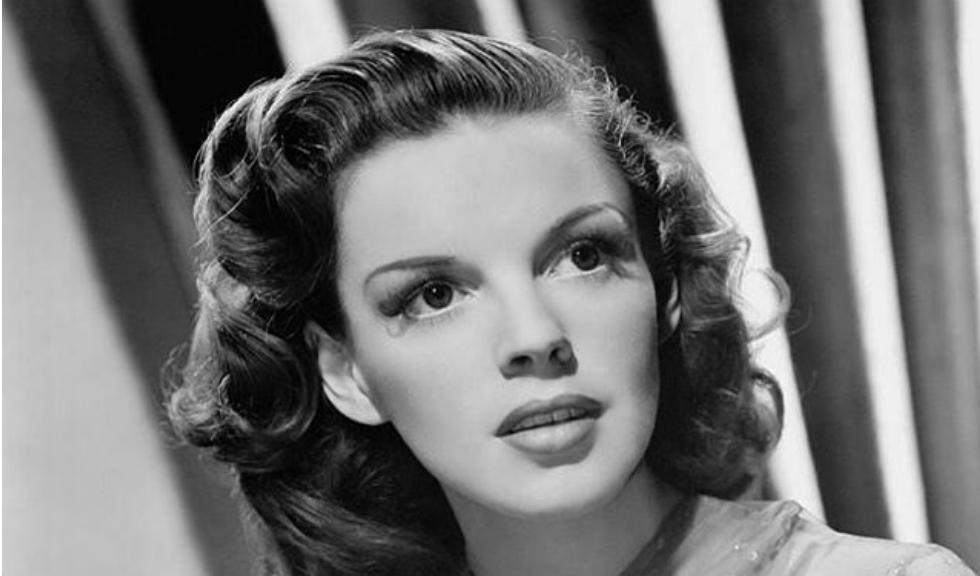 Judy Garland ar fi fost abuzata de actorii din Vrajitorul din Oz