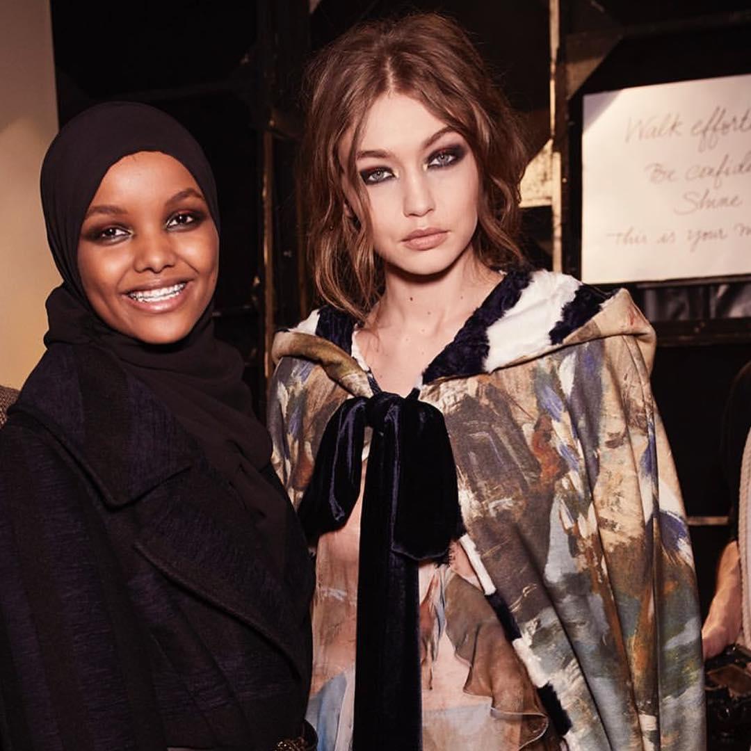 Fa cunostinta cu Halima Aden, modelul devenit star la Milano Fashion Week