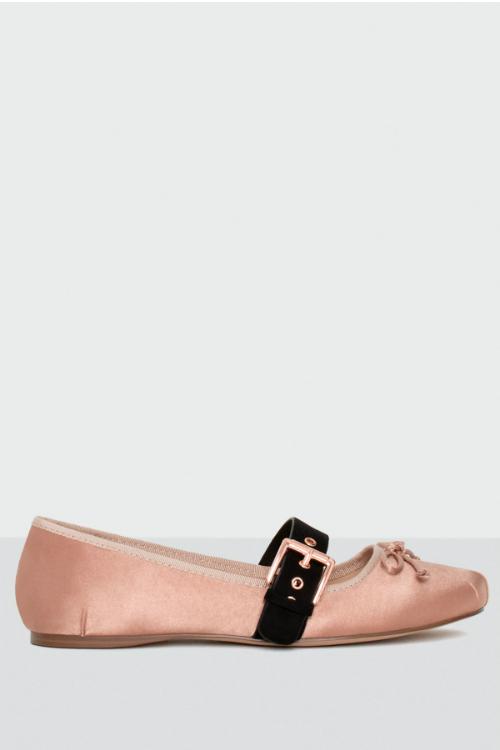 Shades of pink – cele mai cool si accesibile piese vestimentare ale saptamanii