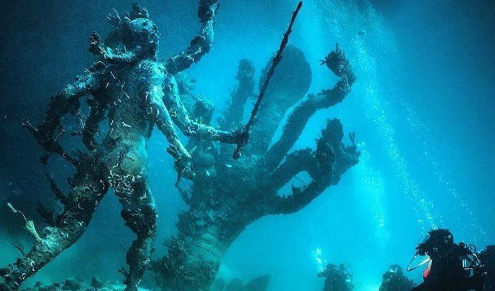 Noua expozitie a lui Damien Hirst din Venetia starneste controverse