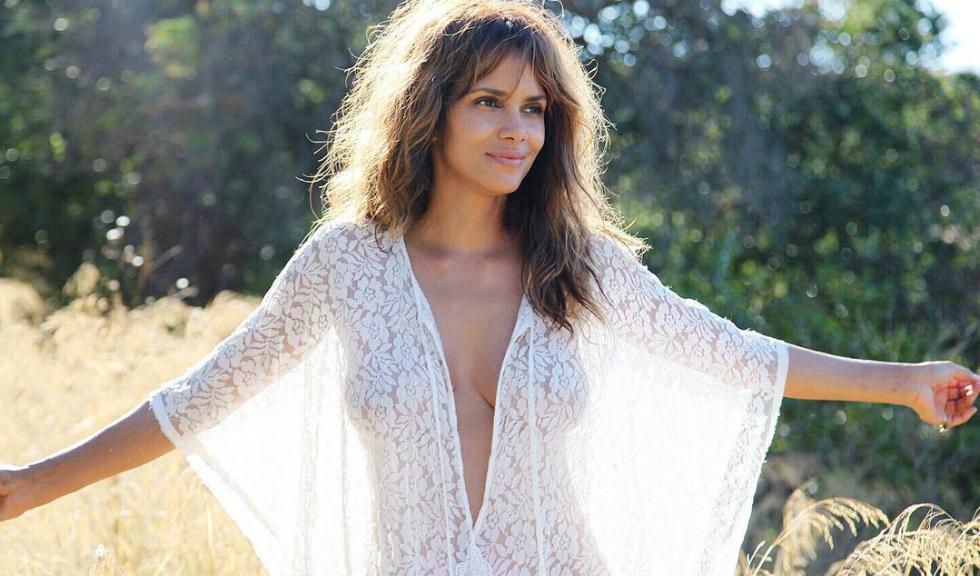 Cum reuseste Halle Berry sa arate cu 20 de ani mai tanara
