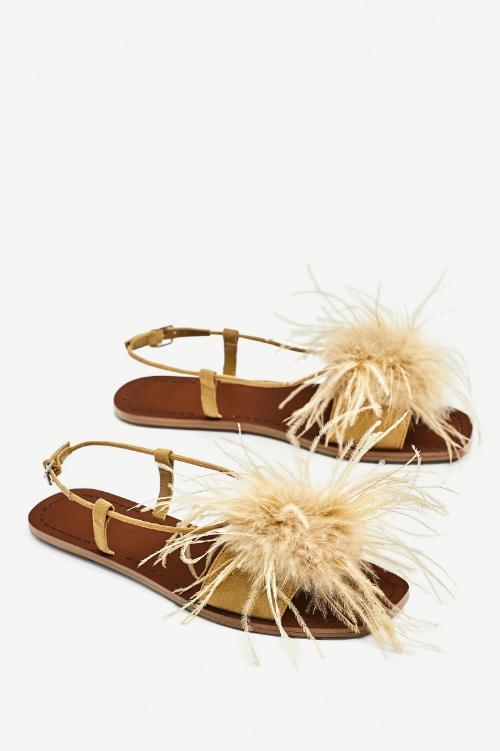 15 sugestii de pantofi cheap & chic pentru blugii tai preferati