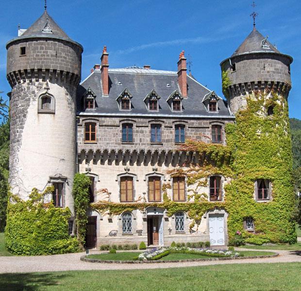 Castele superbe care pot fi inchiriate pentru o vacanta magica